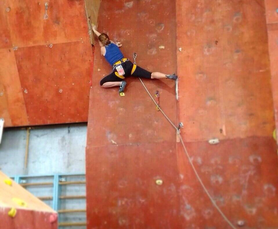 Лазание на трудность - самый популярный вид скалолазания на соревнованиях.